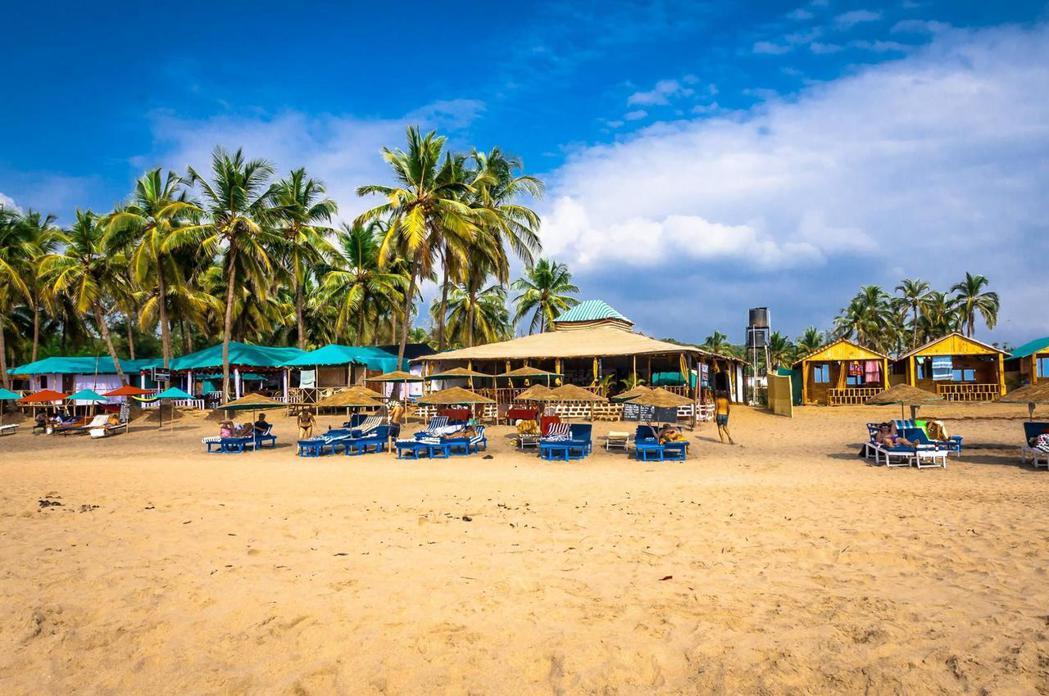 第一名是位於印度果阿的「阿貢達海灘」。圖/TripAdvisor提供