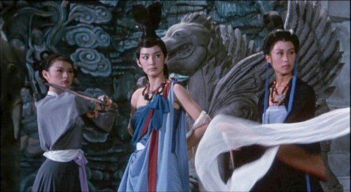 林青霞(中)與李賽鳳(左)、夏光莉合演的「新蜀山劍俠」是香港影迷眼中此次國際電影