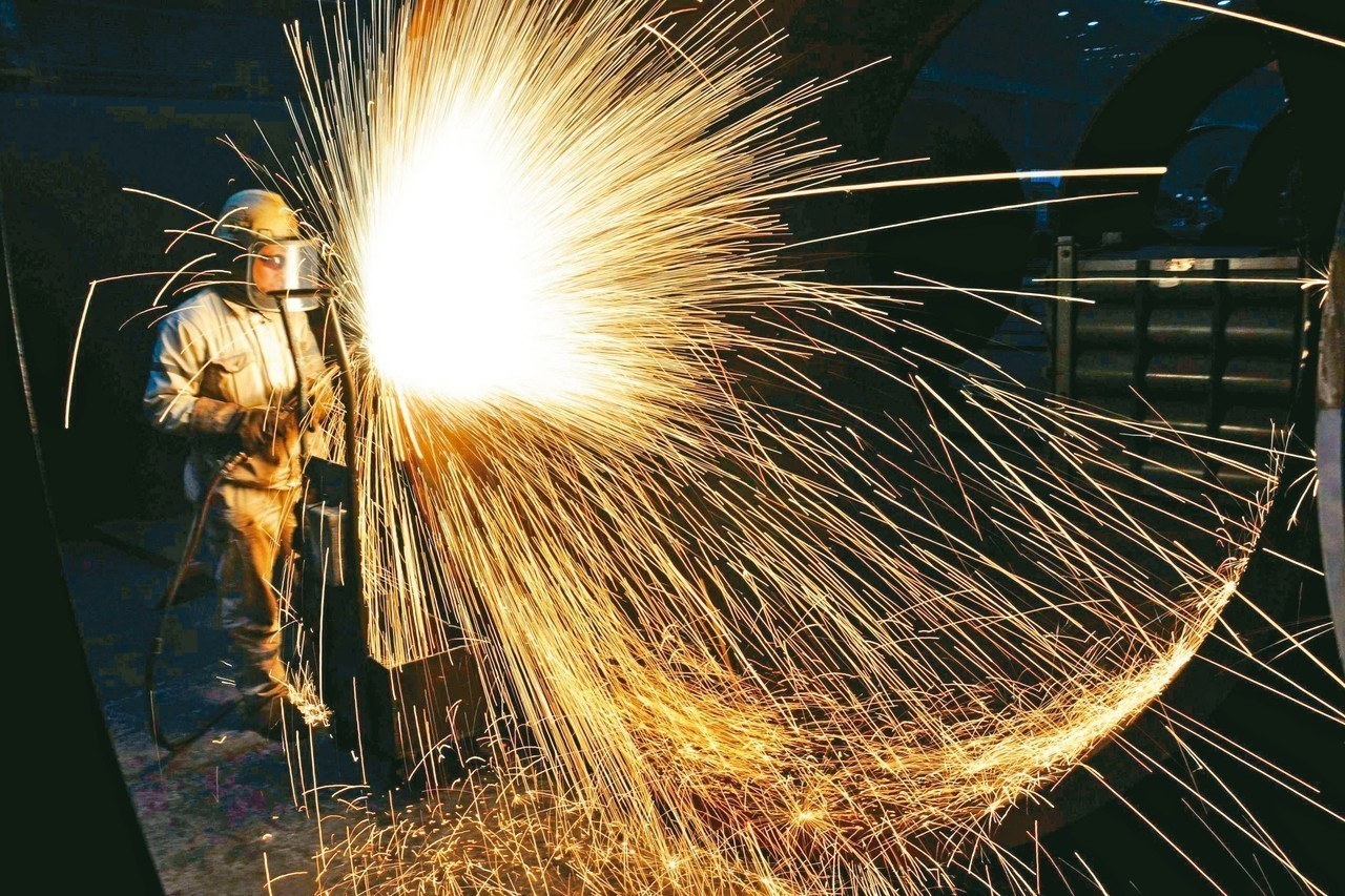 美國對進口鋼、鋁開徵國家安全關稅措施出現鬆動跡象,加拿大及墨西哥將先得到豁免。 ...