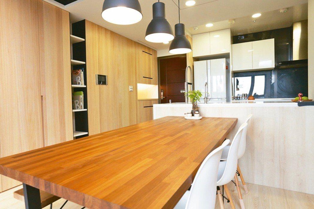 餐桌代表招財納福,桌面宜保持乾淨整潔。 永慶居家/提供