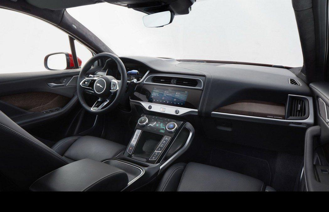 圖為Jaguar I-Pace 車室。 摘自Jaguar