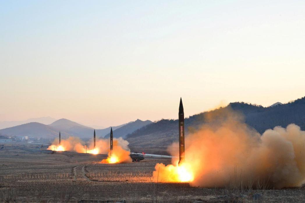 北韓發射彈道飛彈。 路透