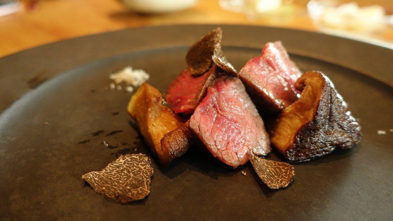 炙燒Prime特級美國牛小排。記者張芳瑜╱攝影