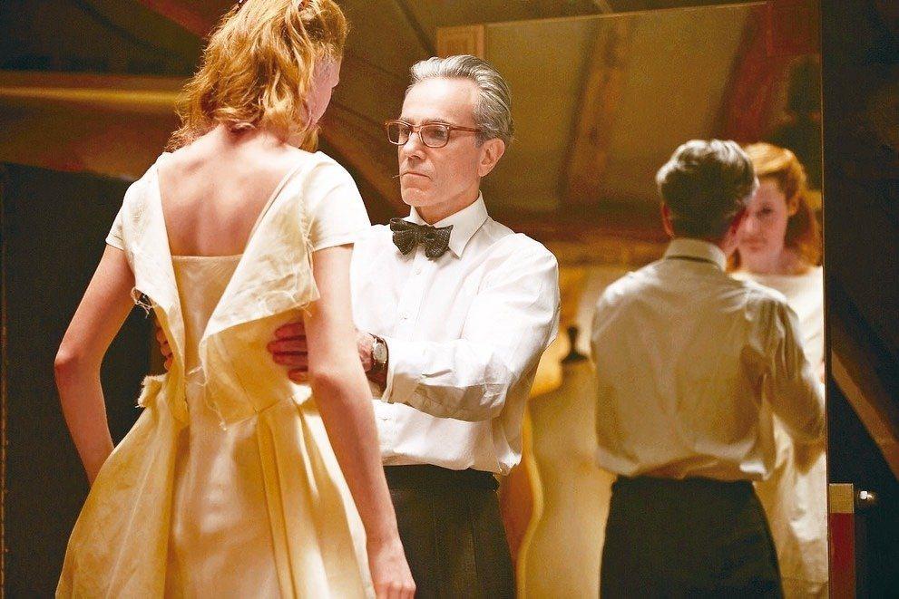 「霓裳魅影」是三屆奧斯卡影帝丹尼爾戴路易斯的封箱之作。 圖/UIP提供