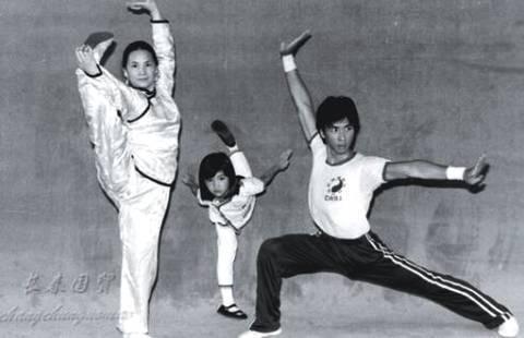左起:麥寶嬋、甄子菁、甄子丹。圖/摘自微博