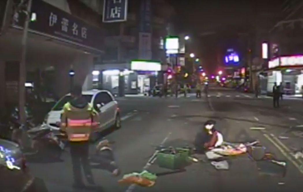 台中市北屯區發生車禍,3人受傷。記者游振昇/翻攝