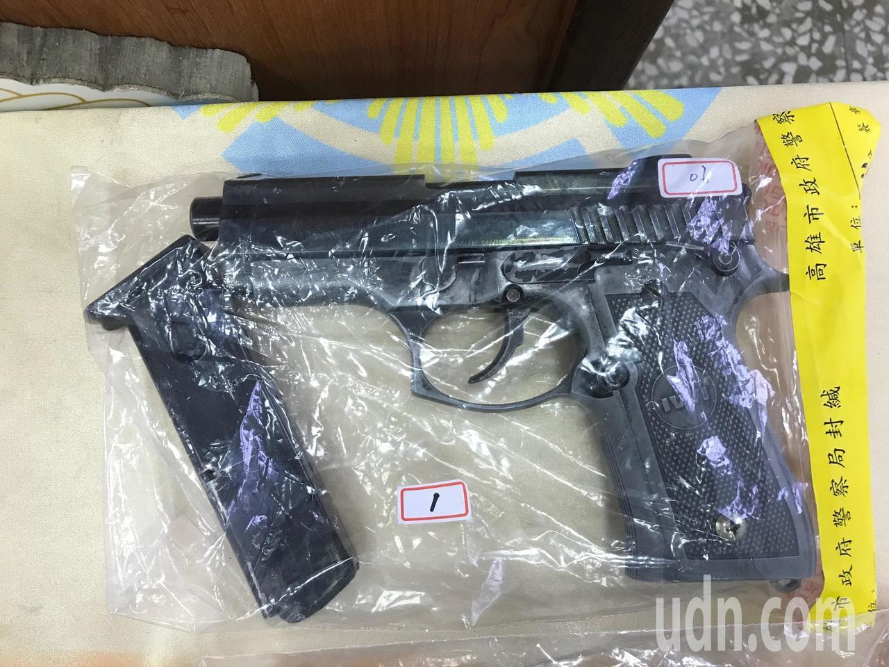 德製瓦爾PX900型手槍是電影「007:空降危機」男主角詹姆斯龐德配用。記者林伯...