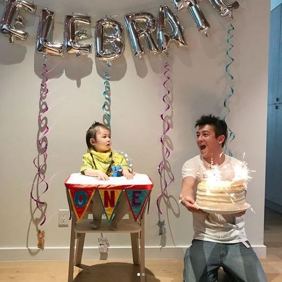 陳冠希為女兒過一歲生日。圖╱摘自IG