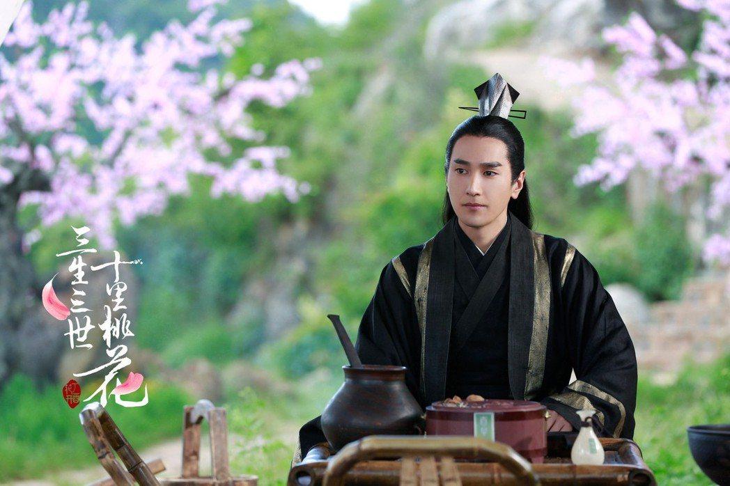 趙又廷在「三生三世十里桃花」戲中飾演霸氣又深情的夜華。圖/中天提供