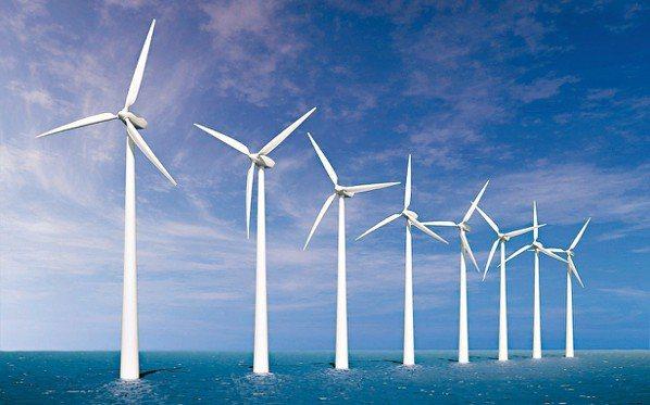據經濟部掌握的訊息顯示,今年進行中的重大投資案,幾乎只剩下離岸風力發電業者,過去...