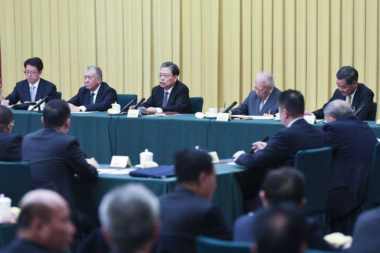趙樂際:牢固「一國」 不容排斥中央管治權 新華社
