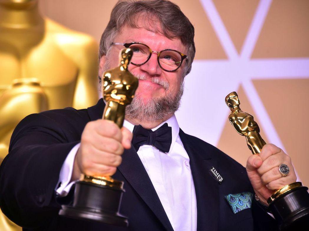 墨西哥導演吉勒摩戴托羅以《水底情深》抱走最佳導演和最佳影片兩項大獎。 法新社