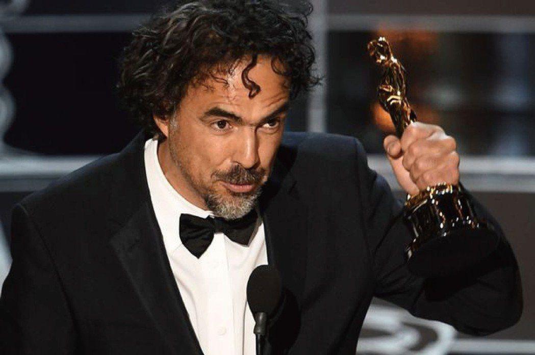 墨西哥導演阿利安卓·崗札雷·伊納利圖兩度獲得奧斯卡最佳導演獎,分別是2016年的...