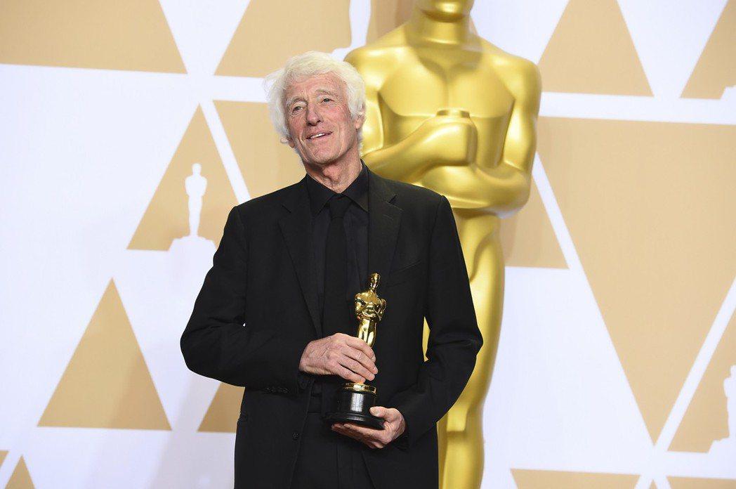 傳奇攝影師羅傑狄金斯(Roger Deakins)過去13度入圍奧斯卡獎,全都鎩