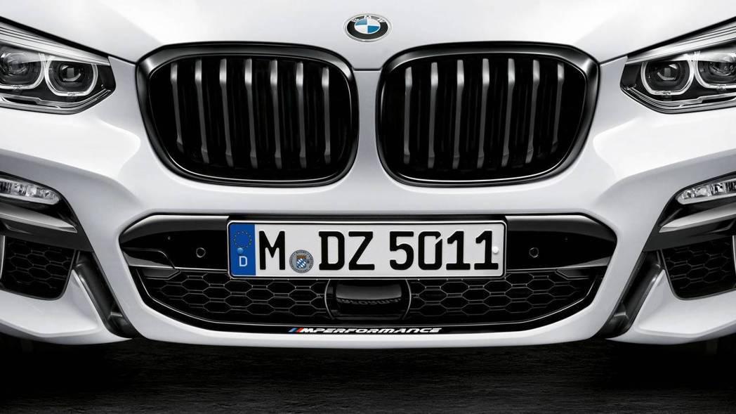 BMW X3。 摘自BMW