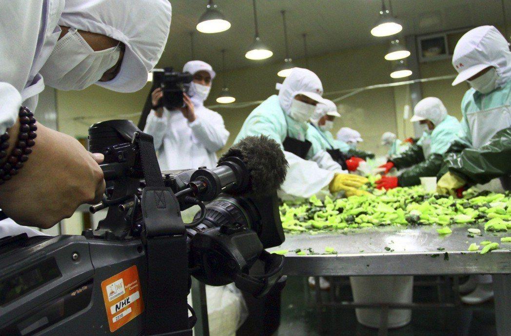 NHK作為全國性的公共廣播電視,能夠觸及的深度及廣度,已經是其他商業電視台開二檔...