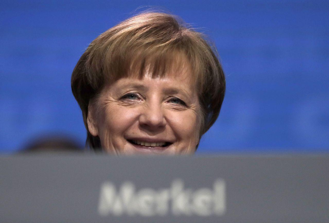 梅克爾順利四度執政和義大利大選結果,排除歐元兩大政治風險。美聯社