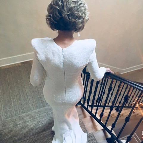 80歲珍芳達穿著Balmain合身禮服展現驚人曲線。圖/取自IG @janefo...
