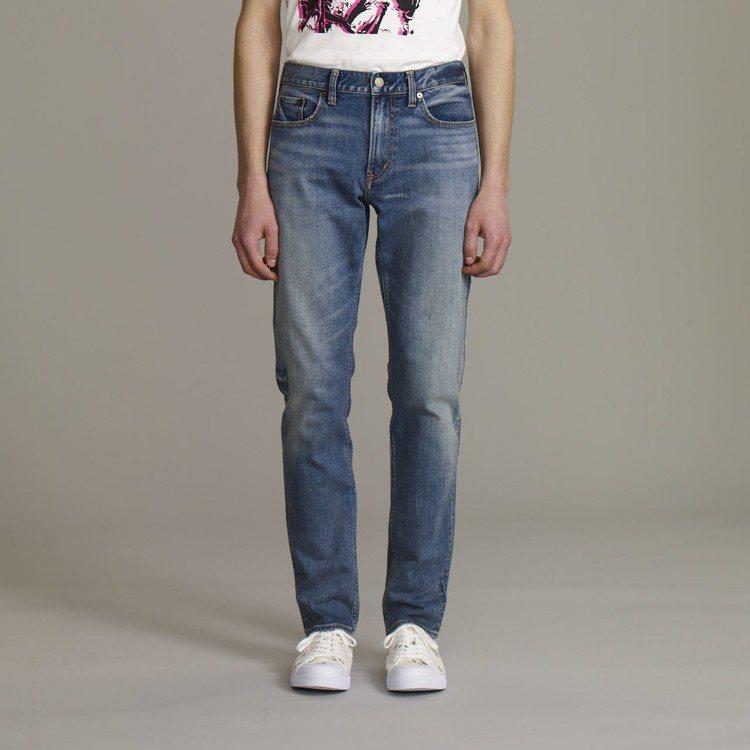 Kim Jones與GU合作系列男裝Slim窄管褲,約1,290元。圖/GU提供