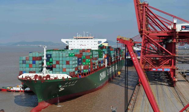 去年大陸進出口總額增長14.2%,增幅創六年來新高,成為世界第一貿易大國。(百度...