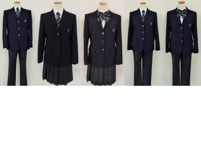 千葉縣柏市市立柏之葉國中的制服。最左邊為男生用,但學生可以自由選擇男生用或女生用...