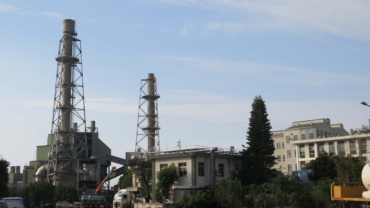 苗栗縣失業率全國第二低,長春石油化學公司最近才大規模招考員工。記者范榮達/攝影