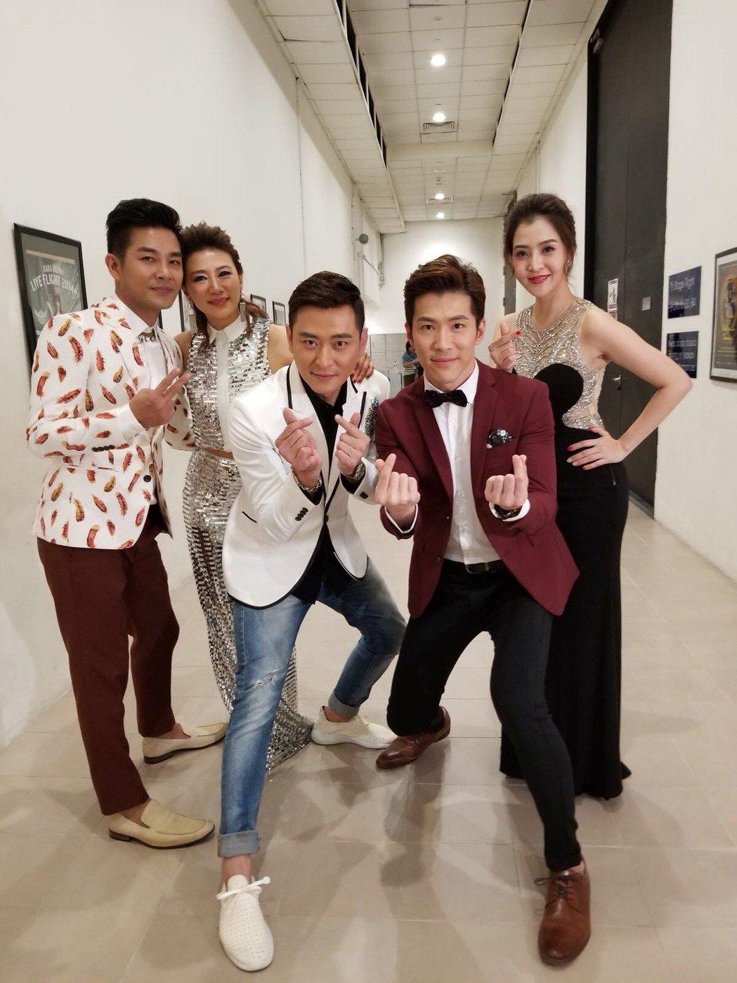 黃少祺赴新加坡作秀。圖/華人創作提供