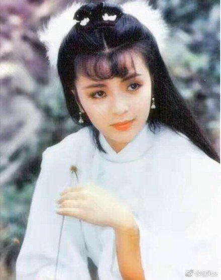 劉德華曾在1983年與陳玉蓮合作演出「神雕俠侶」。圖/摘自微博