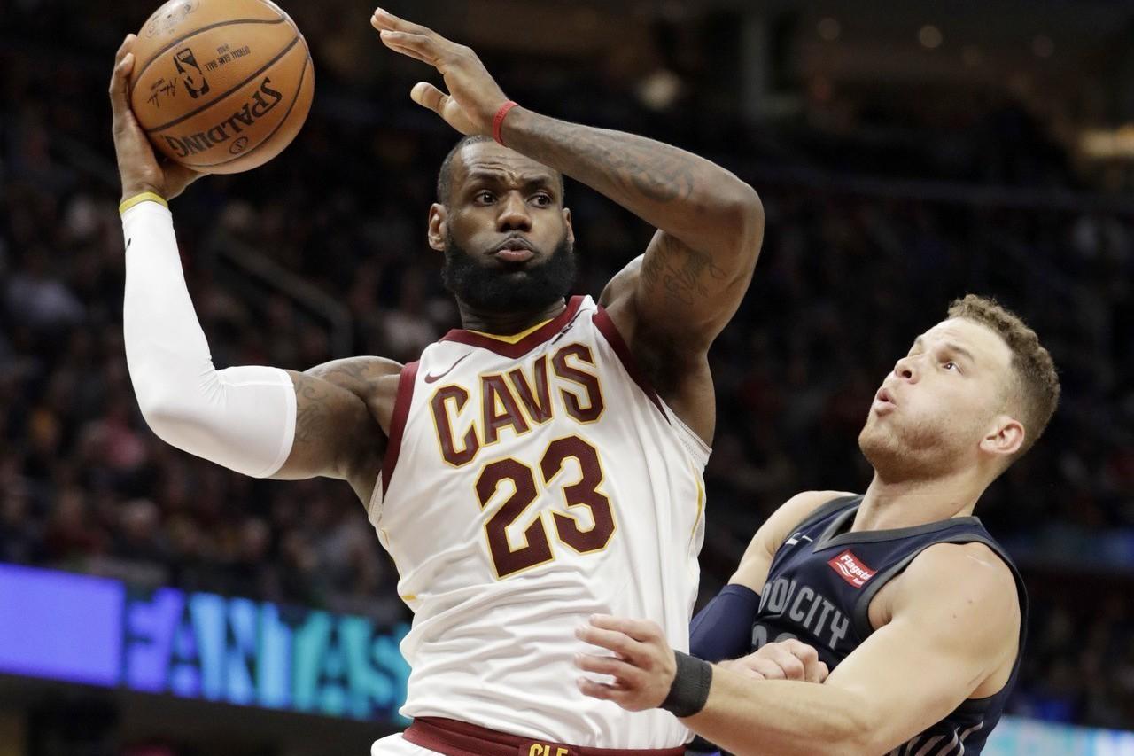詹姆斯只花三節就繳出31分、7籃板、7助攻成績單,助騎士輕取活塞止敗。 美聯社