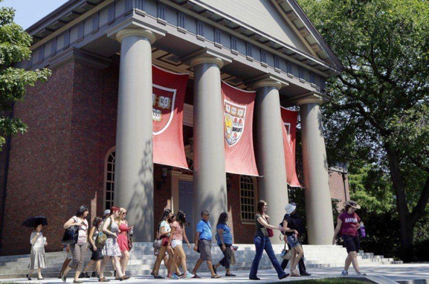 圖為哈佛大學校園。(美聯社)