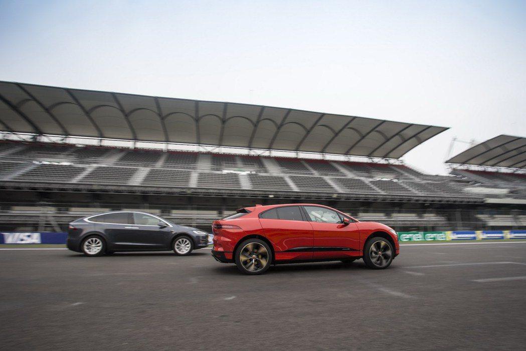 Jaguar I-Pace的及時煞停也相當具有實力。 摘自Jaguar