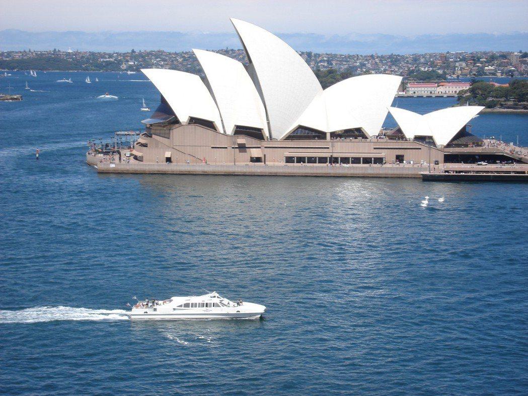 澳大利亞饒富天然資源,鐵礦、煤礦及天然氣等礦產豐富,農業發達,生化、製藥與資訊等...