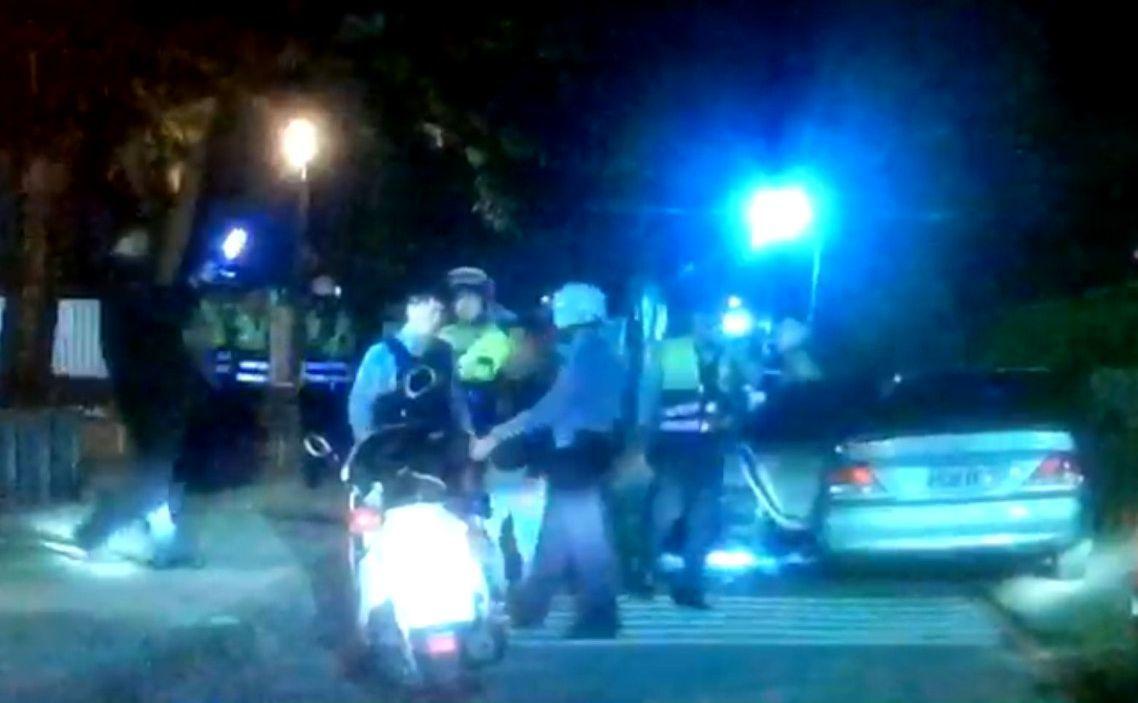 高雄警方昨深夜尾隨可疑車輛,查獲武姓男子涉嫌藏毒。記者林保光/翻攝