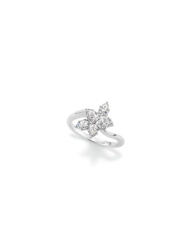 海瑞溫斯頓Winston Cluster鑽石戒指,鉑金鑲嵌約3.92克拉。圖/海...