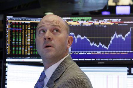 美國股市開高走低,尾盤小幅收高,科技股那斯達克指數領漲。(美聯社)
