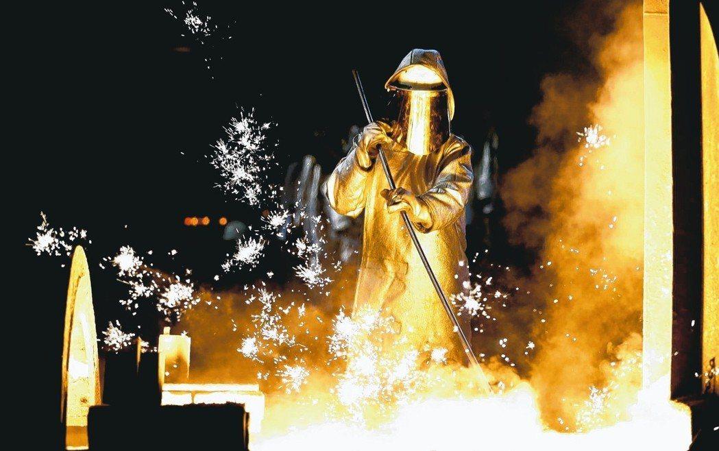 美國總統川普是否對外國鋼鋁課徵重稅並引燃貿易戰,全世界密切觀察。 歐新社