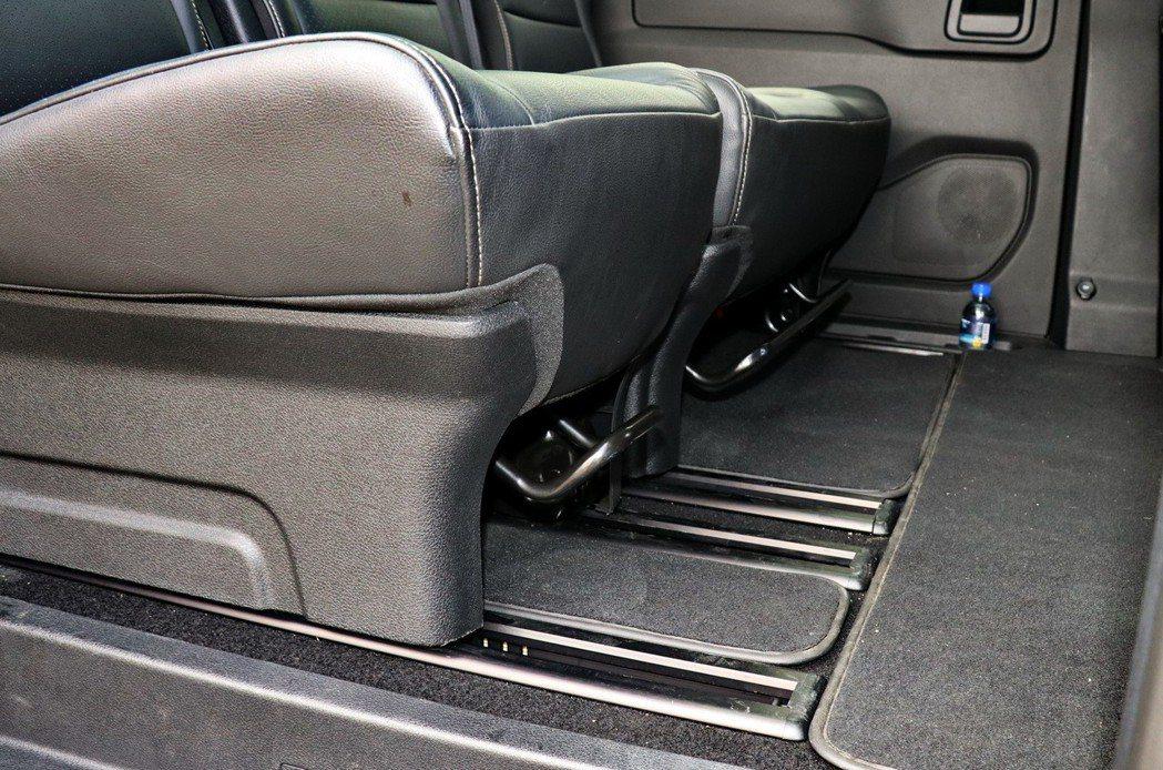 座椅可前後滑移。 記者陳威任/攝影
