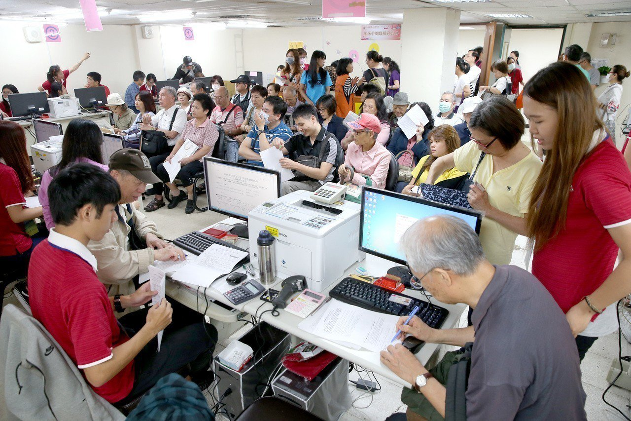 民眾享獲得國稅局提供稅額試算服務,記得在15日前提出申請。本報資料照片