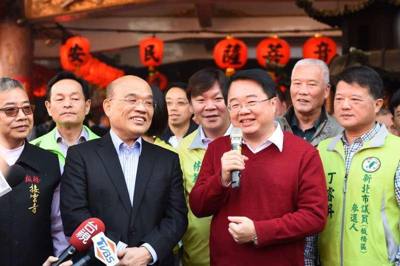 民進黨立委吳秉叡(右二)與前行政院長蘇貞昌(左二)。圖/吳秉叡辦公室提供