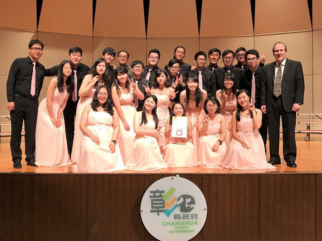 東海大學路思義合唱家昨天在全國學生音樂比賽獲特優。圖/東海大學提供