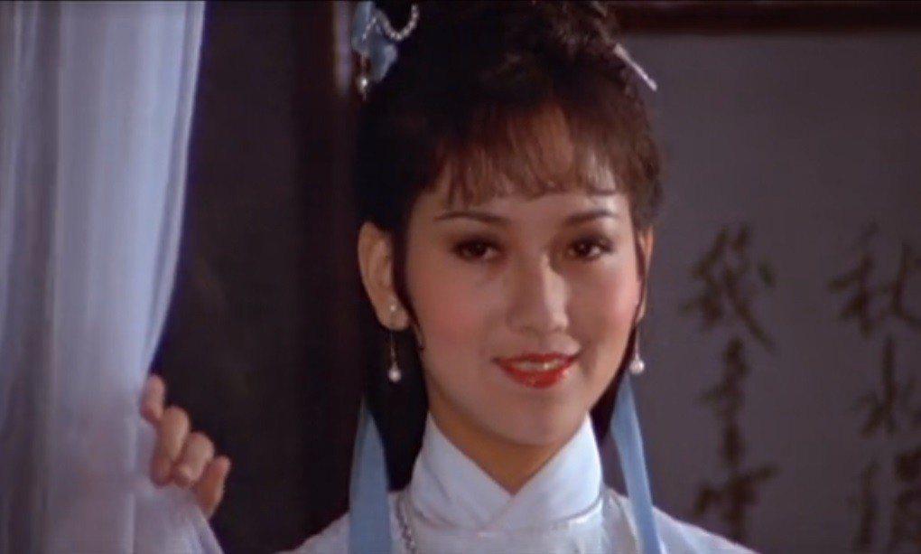 「英雄無淚」趙雅芝難得一回有類似港劇中最受歡迎的氣質扮相。圖/擷自YouTube
