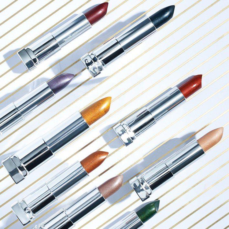 媚比琳極綻色金屬霧光唇膏推出8款時髦色系。圖/媚比琳提供