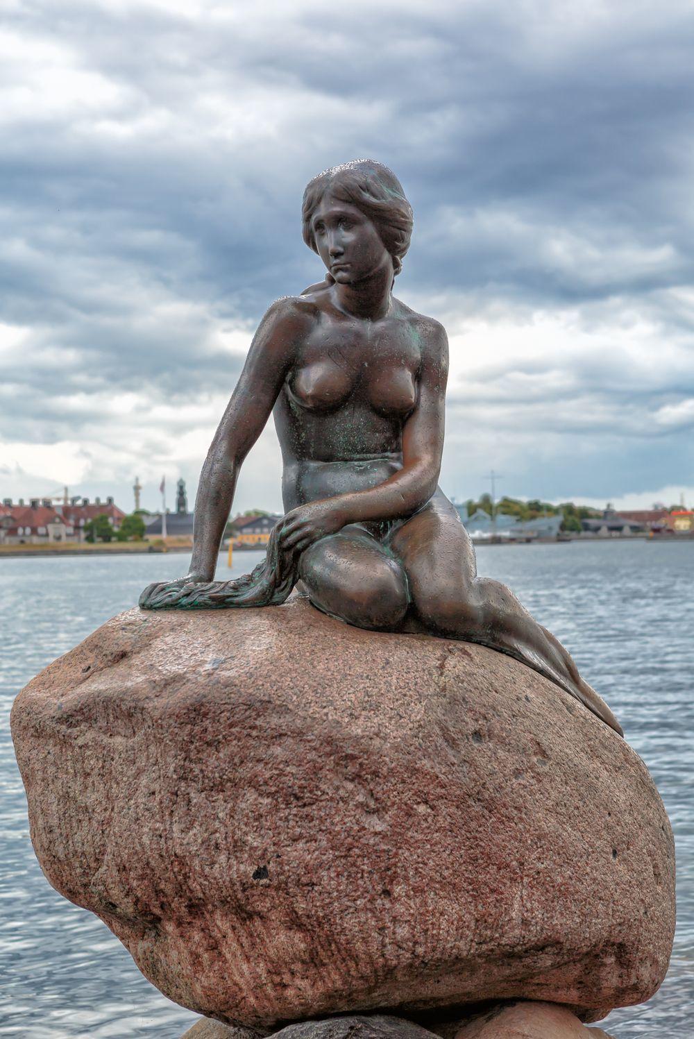 丹麥小美人魚銅像。圖/取自維基