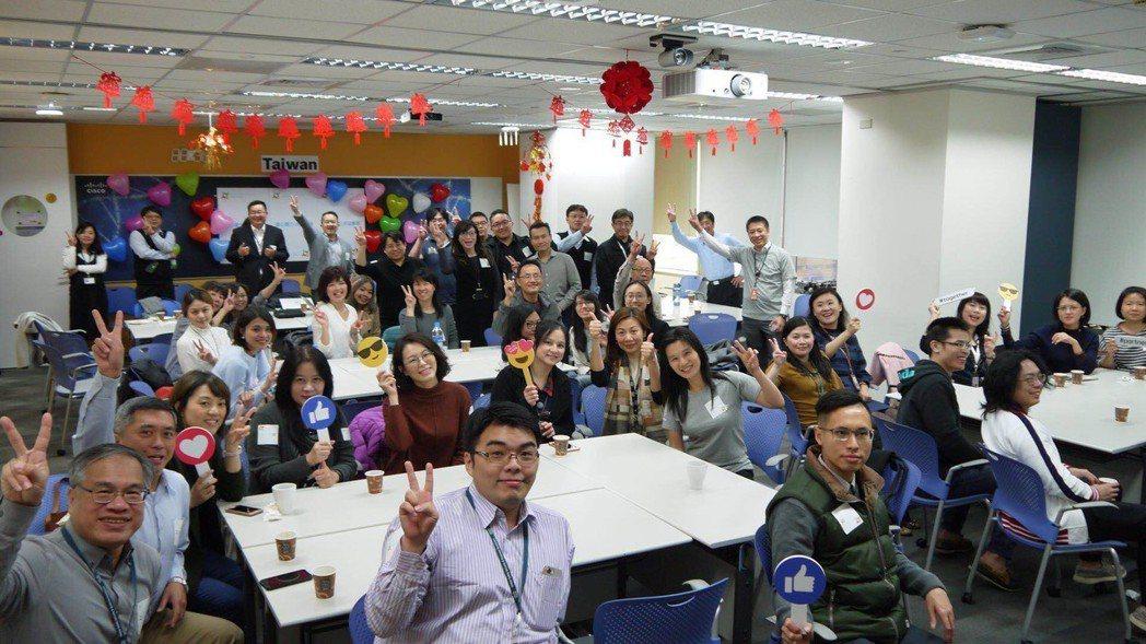 今年思科大中華區WOI大會以「凝心聚力 共迎變革」的主題,致力於透過溝通與對話,...