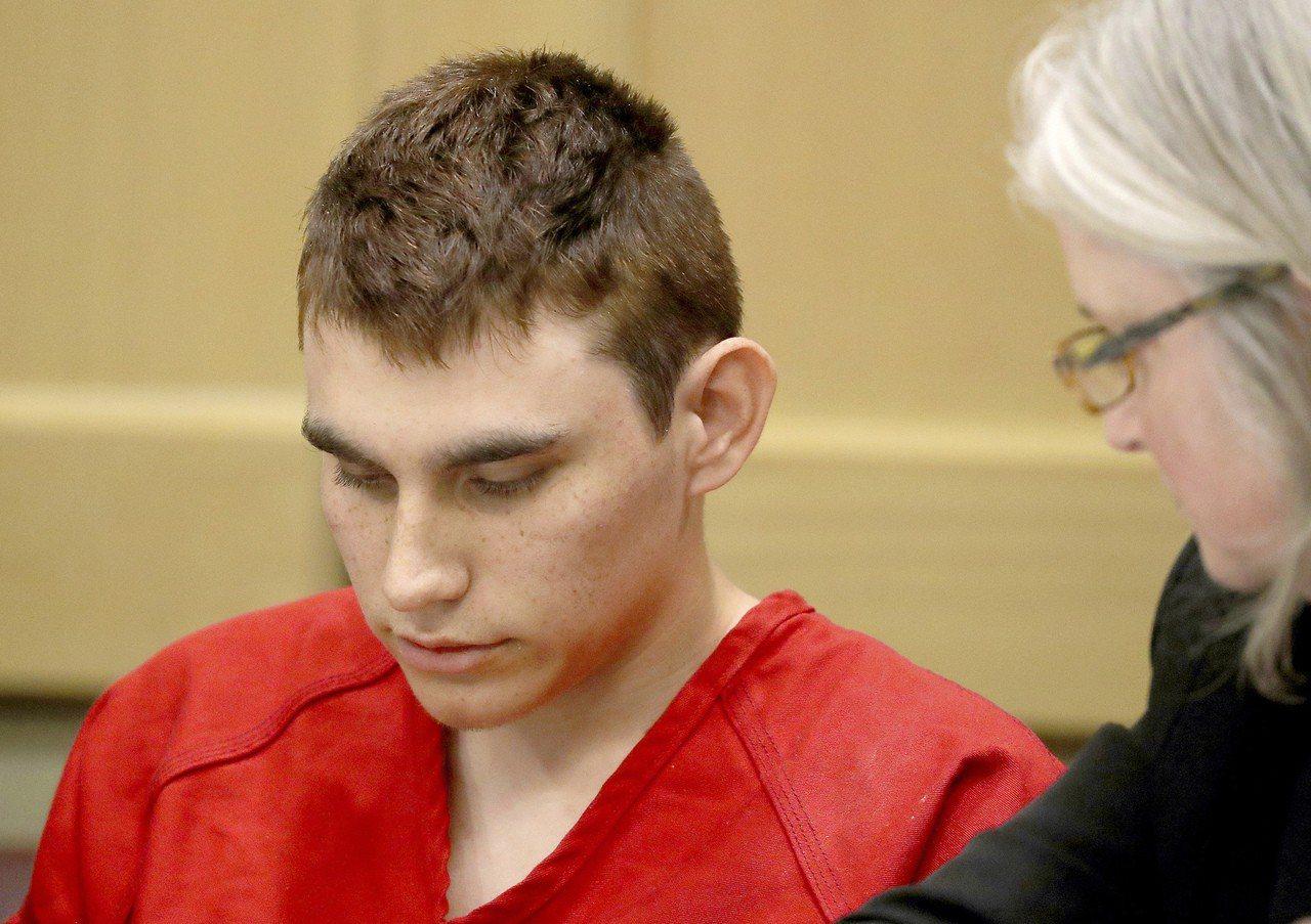 佛羅里達州高中槍擊案兇手克魯茲將面臨死刑。 美聯社