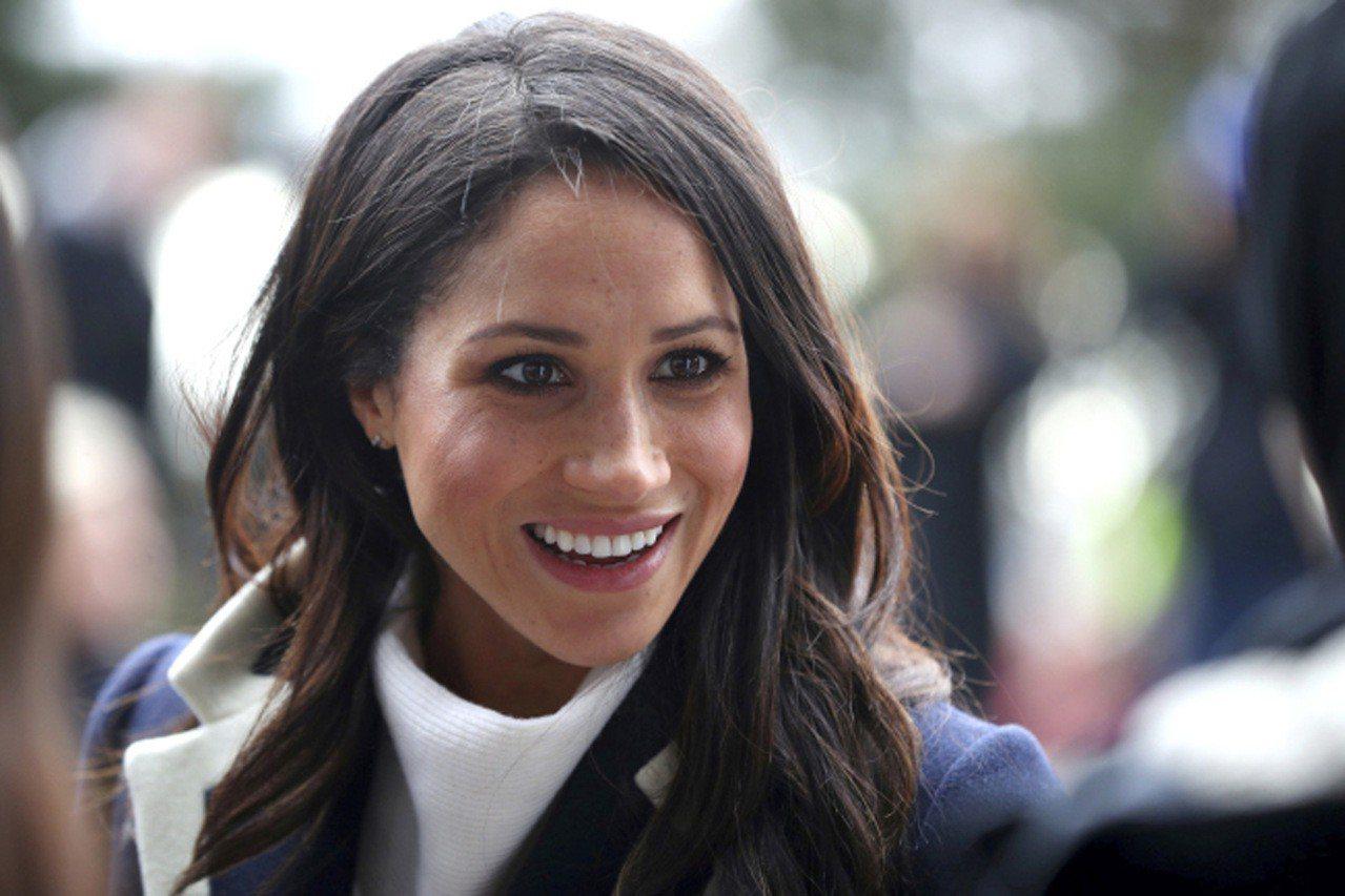 據悉,基於對女王的尊重,36歲的梅根馬克爾(Meghan Markle)決定受洗...