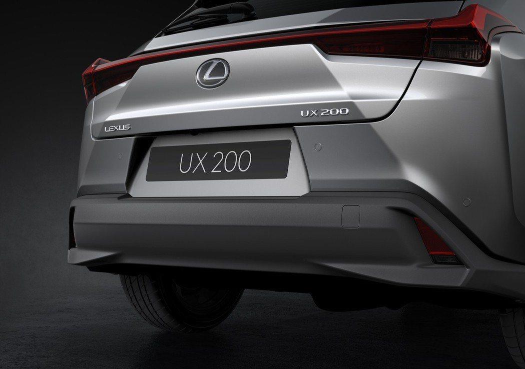 圖為Lexus UX200。 摘自Lexus