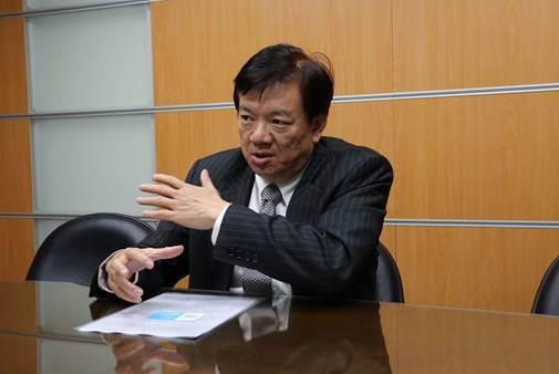 圖1:專利師公會理事長吳冠賜
