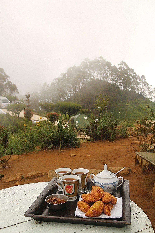 印度和斯里蘭卡的飲茶文化讓葉怡蘭留下深刻印象。濃烈強勁、草根生命力極強的印度香料...