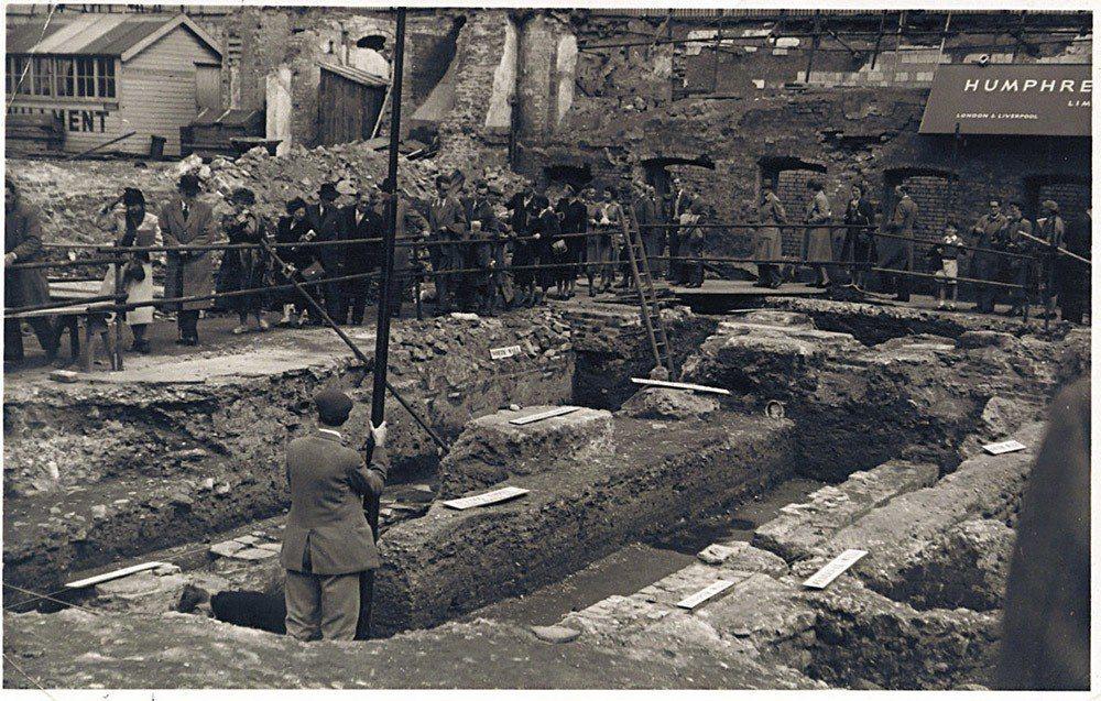這座神廟於1954年首度被發現時的照片,當時曾創下連續兩周每天三萬人次的觀看記錄...